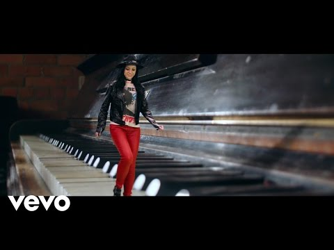 Amy Macdonald - Dream On (Official Video)